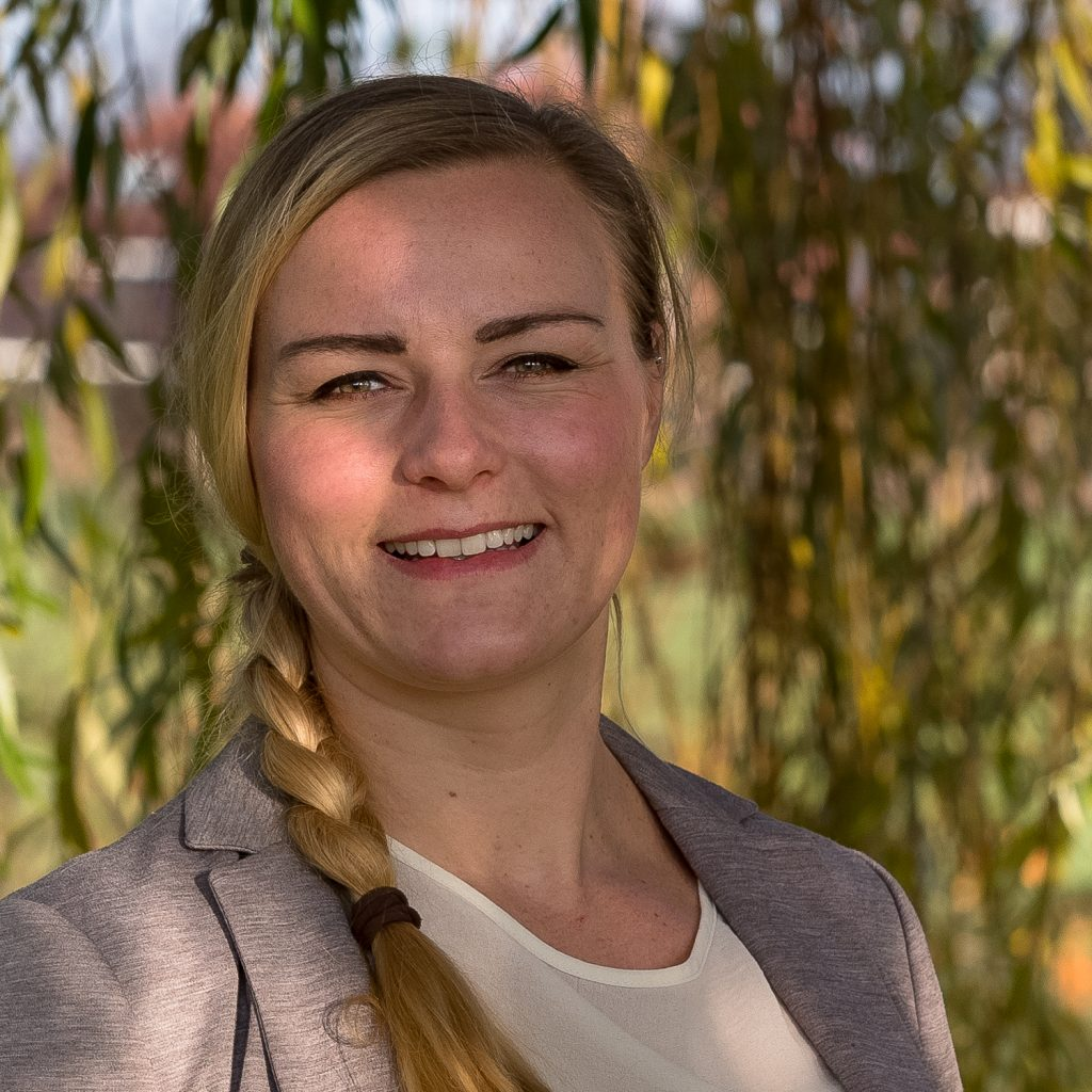 Larissa Mulder - Roots